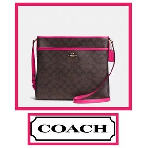 NWOT Signature Coach Shoulder or Crossbody